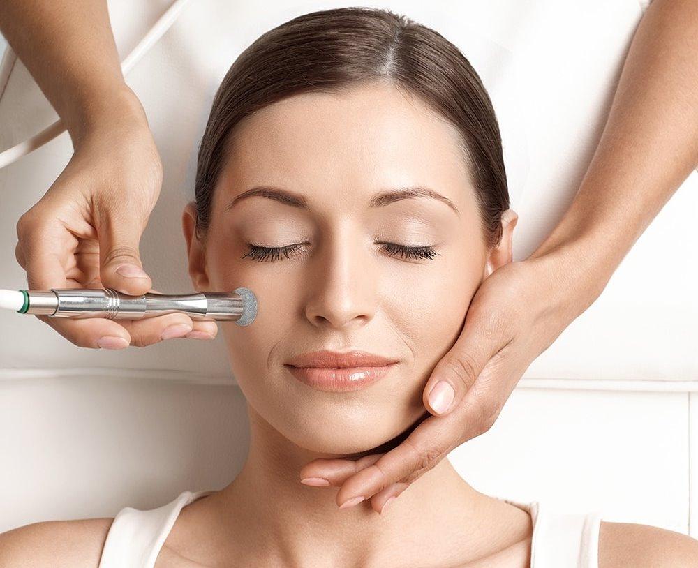 Điều trị sẹo bằng phương pháp mày mòn da - world beauty clinic